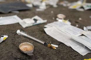 syringe addicted place Toronto